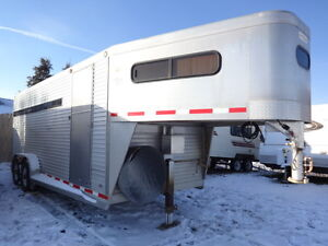 4 Horse Goose-neck Trailer for rent