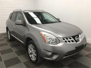 2013 Nissan Rogue SV Back-Up Cam! Navigation! Sunroof!