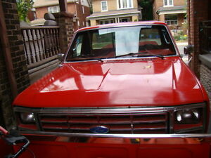 1986 Ford F150 4x4 pick-up