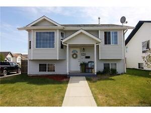 HOUSE FOR SALE: 158 Kirkland Close