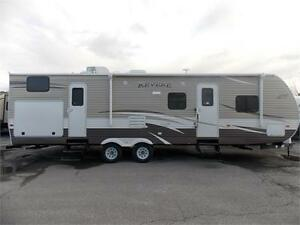 2017 FOREST RIVER SHASTA REVERE 32DS TRAVEL TRAILER