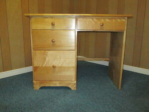 Childs desk London Ontario image 1