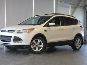 2015 Ford Escape SE-4WD-Moon Roof-Nav-Backup Camera/Sensors