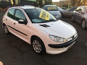 2005 Peugeot 206 T1 MY04 XT White 5 Speed Manual Hatchback Lidcombe Auburn Area Preview