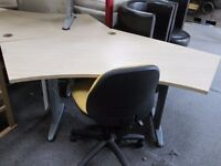 ***BaRgAiN***LARGE Solid Wood Office Desk/Clean/Delivery Available SAMEDAY***