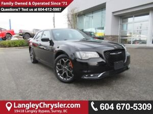 2015 Chrysler 300 S <b>*AWD*LOW KMS!*NAVIGATION*8.4 TOUCHSCRE...