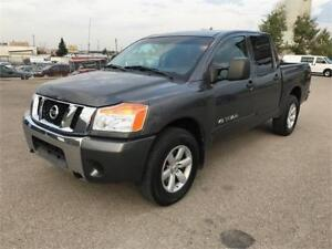 2011 Nissan Titan SV Crew Cab 4x4 *1 Owner/No Accidents/ $16,500
