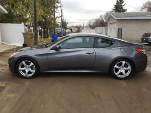 2011 Hyundai Genesis 2DR-Ready for Winter! Studded Tires/Cmd Sta