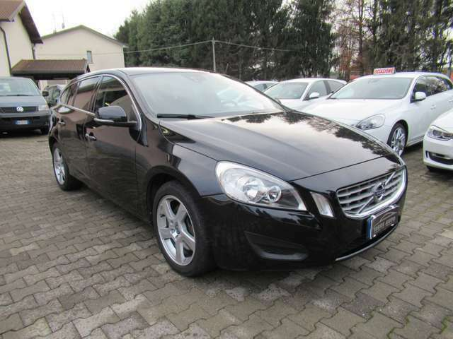 Volvo V60 D5 AWD Geartronic Momentum
