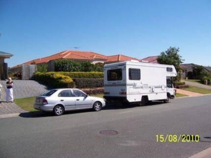 2000 Winnebago + Hyundai Accent Towed vehicle