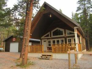 Great Acreage in Crowsnest Pass