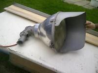 Lampe industrielle en aluminium - fonctionne parfaitement.