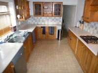 AVAILABLE NOW! Double room for rent in 4 bed professional houseshare