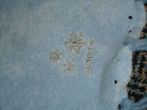 Size 6-9 Light Blue Scarf by *****ROOTS**** Kingston Kingston Area image 2