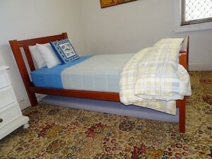 Single Beds, 2 Newcastle East Newcastle Area Preview