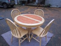 Quality Table & Set of 4 Chairs for Breakfast , Family or Dining Room