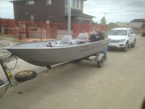 Tracker Guide V14 Boat with 9.9 hp Outboard Motor and Trailer