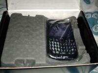 NEW BlackBerry Curve 8520 - Black - Unlocked