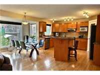 Live in Luxurious House $650/mth ALL INCLUSIVE! 8min to C-Train