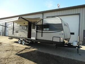 26 foot Travel Trailer with Bunks, Slide and Couch