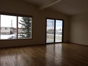 Duplex in Olds - 4 Bedroom House for Rent