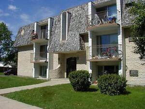 2Bedroom Apartment - Utilities included- close to Uof M