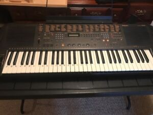 Excellent Condition Technics KN650 Keyboard