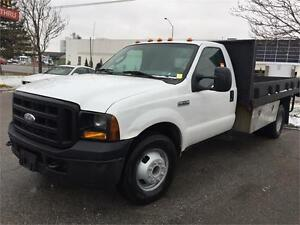 2007 Ford F-350 XL - 12 ft Flat Bed - RWD