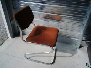 Midcentury modern chrome paperclip chair, only $33 Kitchener / Waterloo Kitchener Area image 1