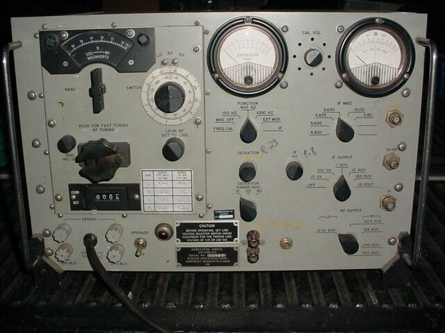 Signal Generator AN/URM-103 Syncor Industries