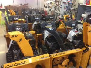 "Cub Cadet 21"" Snow Thrower Stratford Kitchener Area image 4"