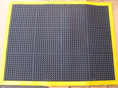 - Wearwell 454 Ortho Stand 3' x 4' Anti-Fatigue Black Vinyl Floor Mat Yellow Bord