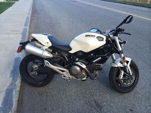 Ducati monster 696 2009. (non négociable)