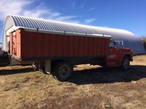 FORD F600 GRAIN TRUCK LONG BOX