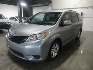 2016 Toyota Sienna CE 7PASS (Camera, Air, Mags)