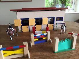Stable & Horses (Schleich)
