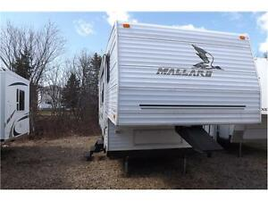 2004 5th wheel. FINANCING...GOOD,BAD,SECOND CHANCE CREDIT
