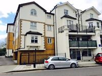 Modern One Bedroom Apartment Located in Isleworth, short walk to Train Station & Shops