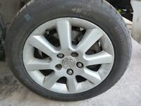 TOYOTA AVENSIS COROLLA VERSO CELICA SET OF 4 ALLOYS WITH VERY GOOD TYRES 205/66/16