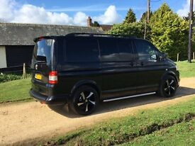 VW T5 KOMBI - METALLIC BLACK