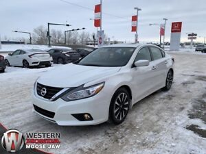 2018 Nissan Altima 2.5 SV- Local, One Owner! Almost New!