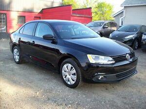2012 Volkswagen Jetta MANUAL/4dr/ LOW PAYMENTS Edmonton Edmonton Area image 4