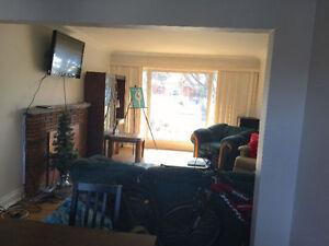 3 rooms for rent between Brock and Pen