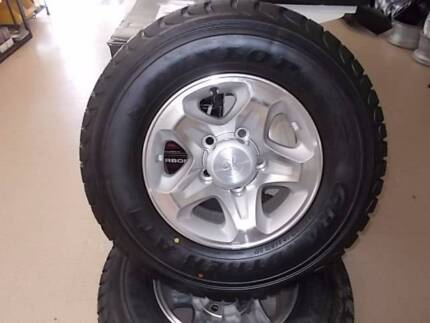 Toyota Land Cruiser 4x4 Factory Mags!