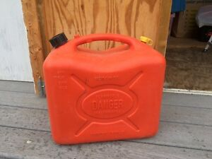 3 Plastic 25L or 5 gallon Gas cans