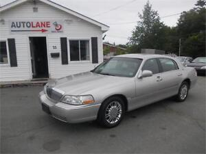 2009 Lincoln Town Car Signature Limited NICE SHARP!!!