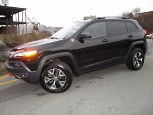 2016 Jeep CHEROKEE Trailhawk 4X4 (ORIGINALLY $42520, NOW $31977)