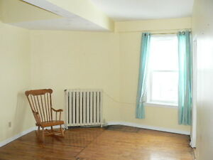 Downtown close to Queens,1 Bd Rm + Den