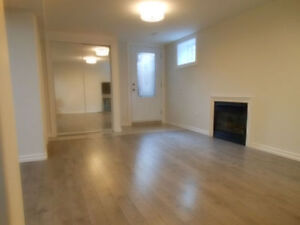 Spacious Newer Clean Modern 2 Bedr Bsmt Apt (Cathraw&Lakeshore)