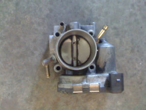 THROTTLE BODY GOLF /JETTA 2.0L *AZG* VOLKS MK4 2002 A 2004